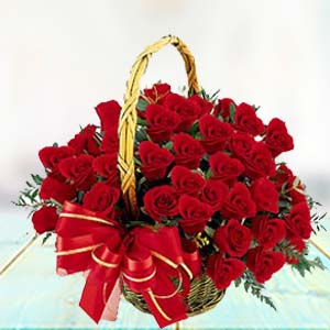 Red Rose Basket: Gifts Malwa Mills,  Indore