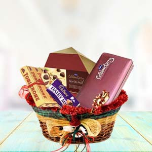 Assorted Chocolates Chocolates Heart Combo, Indore