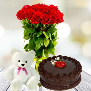 Roses Teddy And Cake: Valentine's Day Gifts For Girlfriend Siyaganj,  Indore