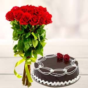 Roses And Cake: Valentine's Day  Indore