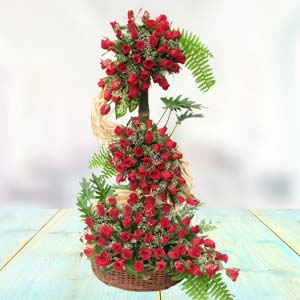 Rose Arrangement: Valentine's Day Gift Ideas Siyaganj,  Indore