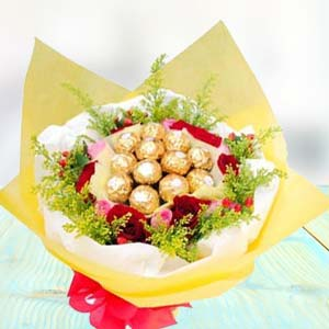 16 Pieces Ferrero Rocher: Gift Manorama Ganj,  Indore