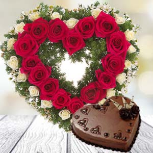 Heart Shaped Combo: Valentine's Day Flowers R.s.s.nagar,  Indore