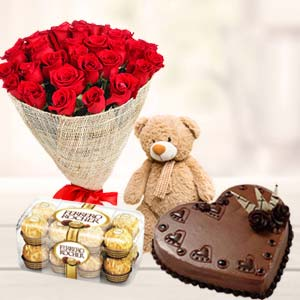 Combo for Valentines: Rose day Uchchanyayalay, Indore