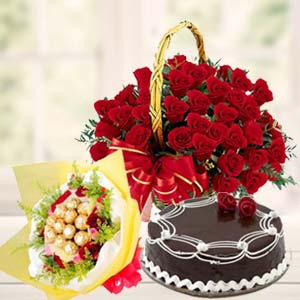 Roses Combo With Chocolates Bunch: Valentine's Day Gifts For Girlfriend B K Colony,  Indore