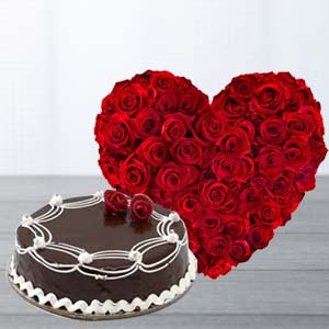 Heart Shaped Roses Arrangement: Valentine Gifts For Husband Lokmanyanagar,  Indore