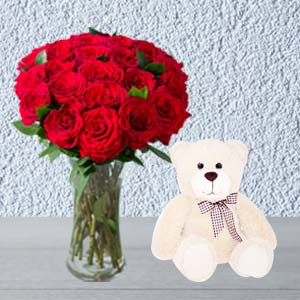 Roses Combo With Vase And Teddy: Valentine's Day Gifts For Girlfriend Tilaknagar,  Indore