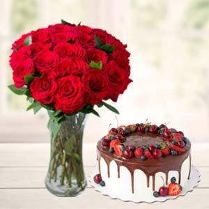 Roses Combo With Cake And Vase: Gifts For Brother Radio Colony,  Indore