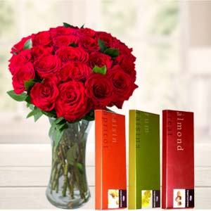 Roses In Vase With Temptations: Gifts For Husband Burankhedi,  Indore