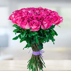 Bunch Of Pink Roses: Valentine Gifts For Husband R.s.s.nagar,  Indore