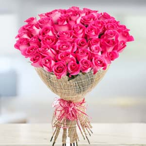 Bouquet Of 30 Pink Roses: Gift Jail Road,  Indore