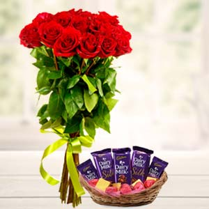 Best Chocolates Combo: Valentine's Day Gift Ideas Cloth Market,  Indore