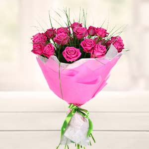 Bouquet Of Pink Roses: Gift Rambagh,  Indore