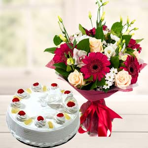 Mix Flowers With Pineapple Cake: Gifts Tukoganj,  Indore