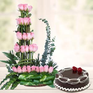 Pink Roses With Rich Chocolate Cake: Gift Baoliakhurd,  Indore