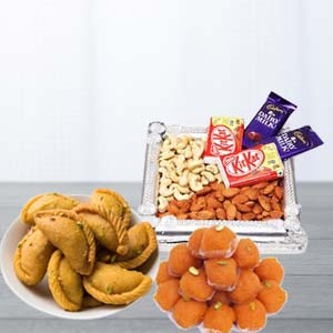 Mix Sweets Combo With Dry Fruits: Gifts For Brother Pardesipura,  Indore