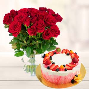 Roses Bunch With Fruit Cake: Valentine's Day Gifts For Boyfriend Vallabhnagar,  Indore