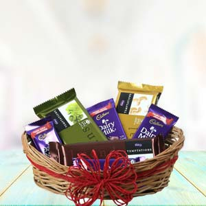 Cadbury Chocolate Basket: Valentine's Day Gifts For Girlfriend Yeshwant Road,  Indore