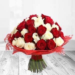 Mixed Red And White Flowers: Valentine Gifts For Husband R.s.s.nagar,  Indore
